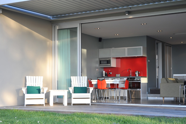 216 luxury accommodation apartment Muriwai Beach Auckland